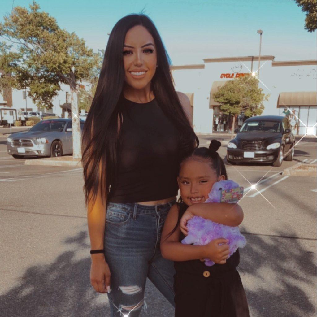 Joleen and her daughter